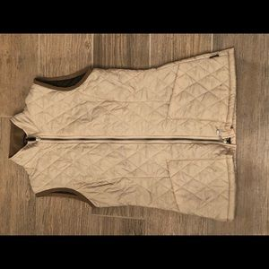 Women Barbour Shaped F/Weight Vest Quilted Sz 6
